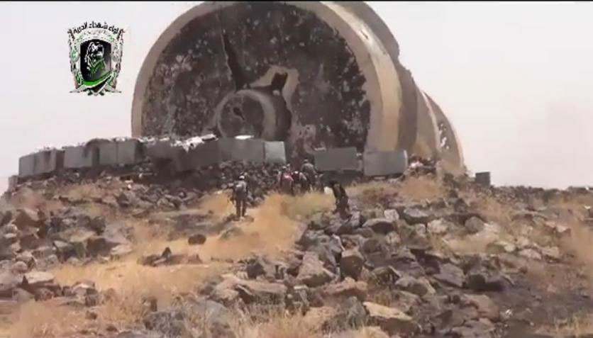 Водопроводная башня (разрушена при неизвестных обстоятельствах). В районе стратегически важной базы 52-й бригады, это потеря второй стратегически важной базы в Южной Сирии.