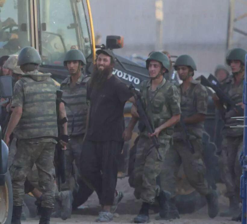 Часть ИГИЛ сдалась турецким властям