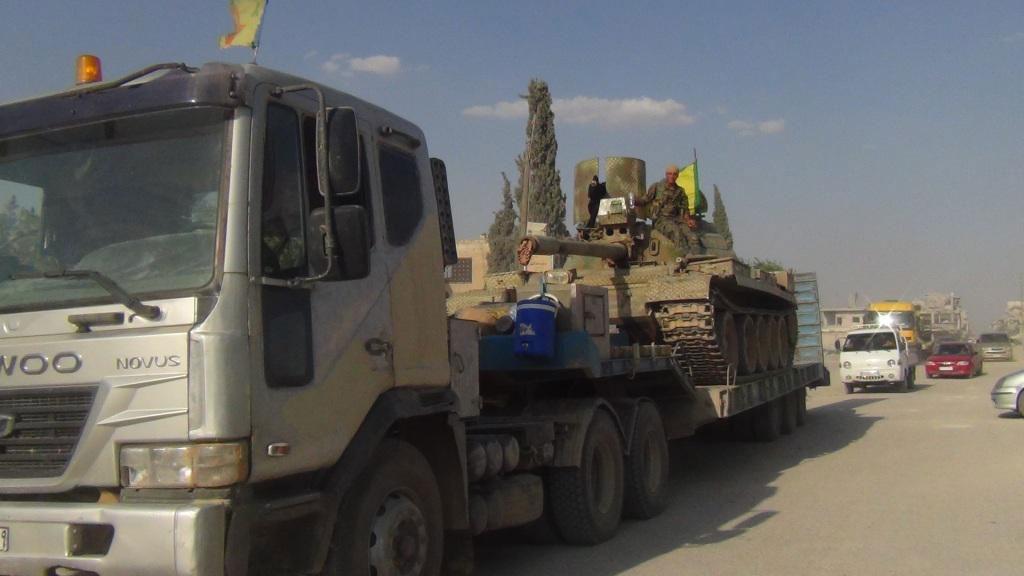 Курды перебрасывают технику в Кобани