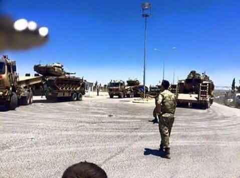 Турки продолжают стягивать силы к границе
