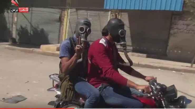 Экстримальные байкеры оппозиции Сирии в городе Мареа, после химической атаки ИГ
