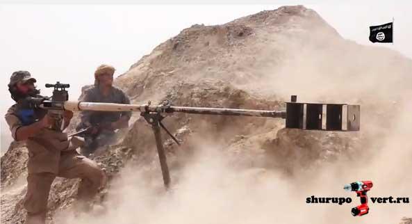 ИГИЛ демонстрирует выпущенную на ее территории снайперскую винтовку под снаряд 23 мм