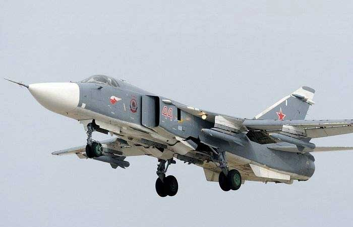 Расшифровка спутникового снимка с российскими самолетами в Сирии: 12 штук СУ-24, 12 штук СУ-25, 4 штуки СУ-30