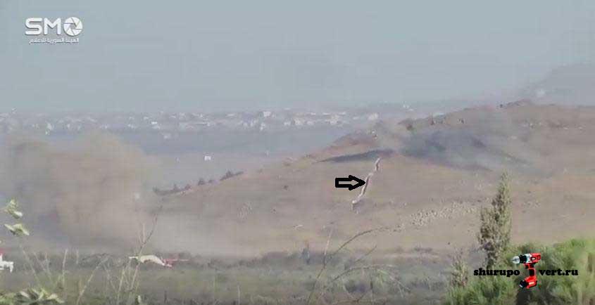 Вид с высоты Tall al Ahmar (оппозиция) на высоту Tell Ain al-Nuriyah (Асад), которая находиться под обстрелом оппозиции