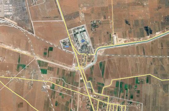 ИГИЛ. запрещенная в РФ организация, проводит наступательные действия в районе кабельного завода в предместье Алеппо, где укрепились силы Асада