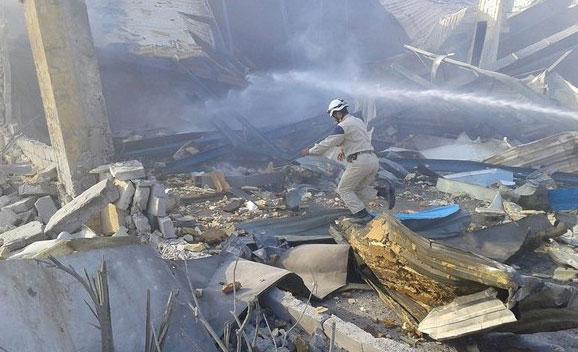 Авиа удар Hayyan, один из последних работающих заводов, Алеппо, Сирия, территория повстанцев