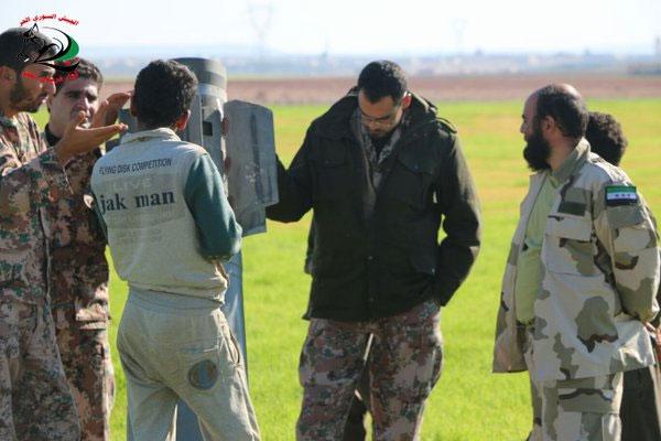 Неразорвавшеся ракета БМ-30 Смерч в северной части провинции Хама, Сирия