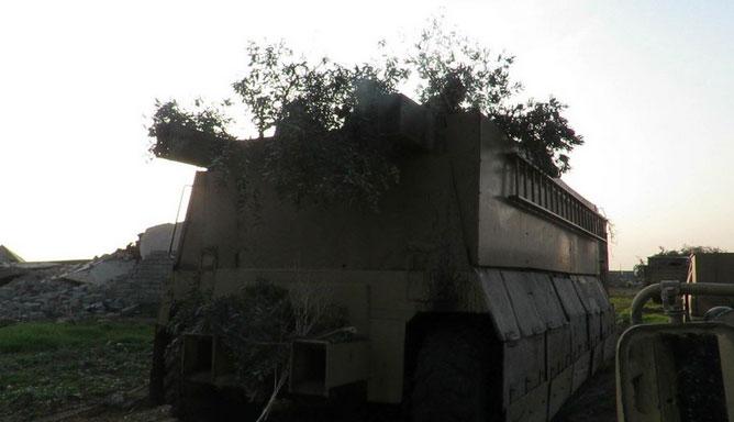Захваченные в Ираке курдской Пешмергой, автомобили для боевиков самоубийц ИГИЛ