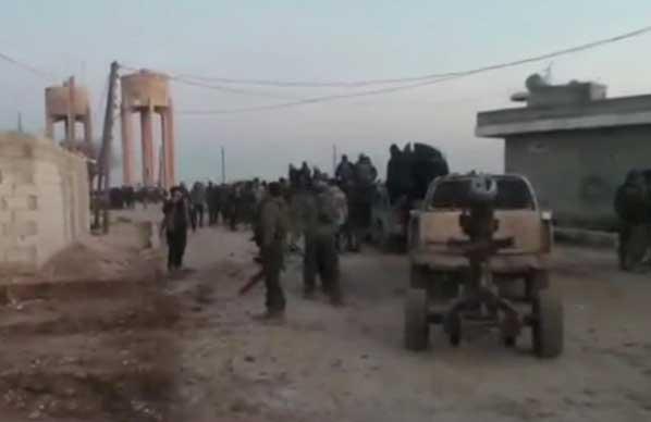 Сирийская оппозиция провела очередную атаку на ИГИЛ, отбив у последних три селения на границе с Турцией