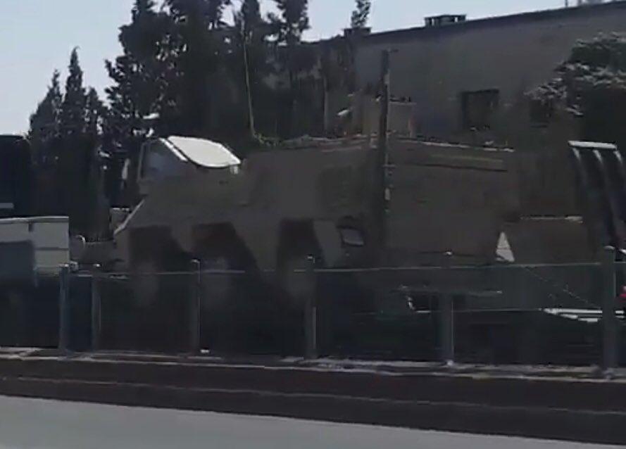 Бронетранспортеры - амфибии, направляющиеся для поддержки наступления SDF